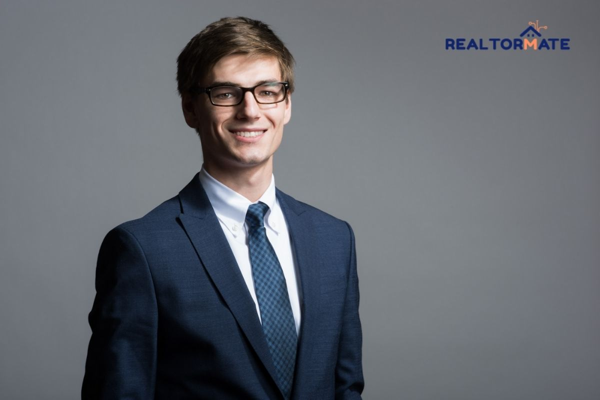 Top 10 Pro Tips for the Perfect Real Estate Headshots in 2021